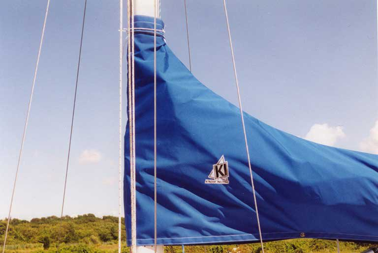 Freedom 21 stack style sailcover