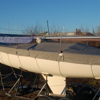 J 24 - Skirted Deck Cover